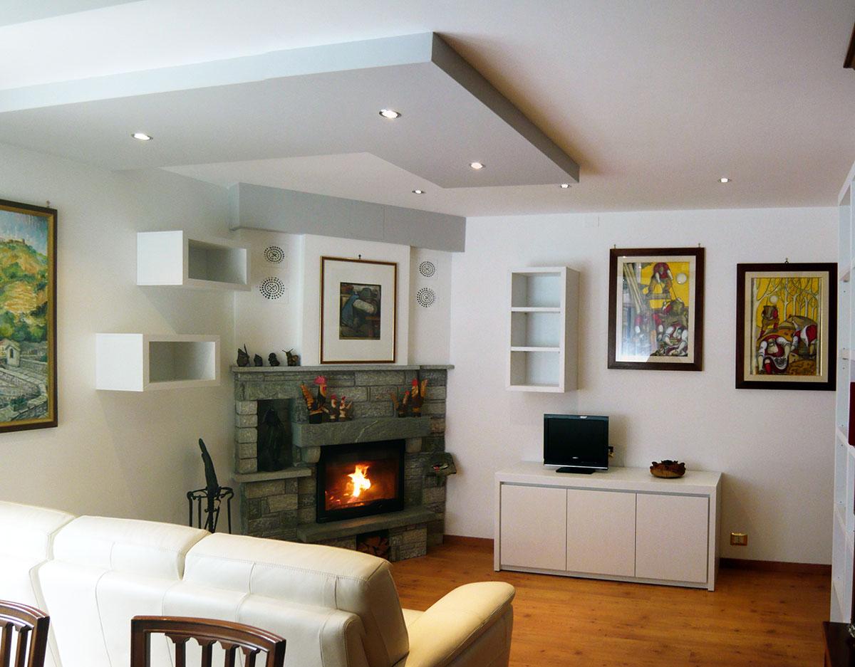 Arredare soggiorno con camino yo02 regardsdefemmes for Arredamento soggiorno moderno idee